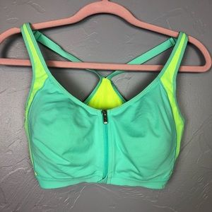 VSX sports bra size 36D